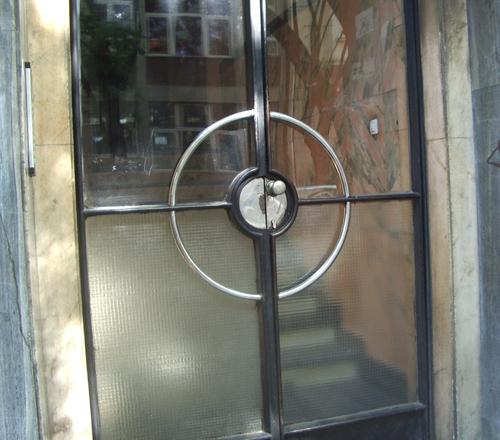 door1_1.jpg